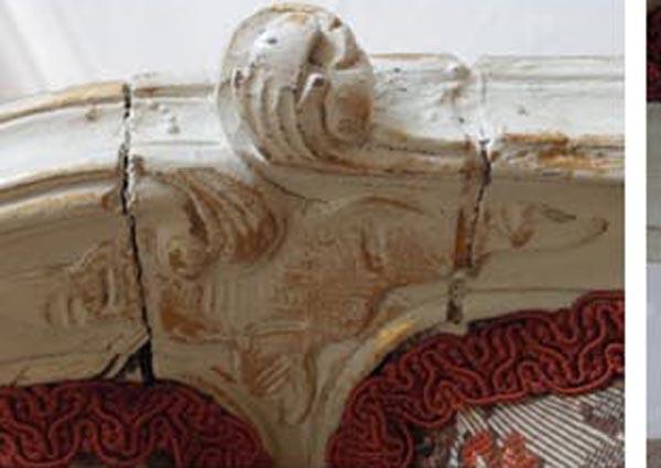 白フレームのフランスのソファー